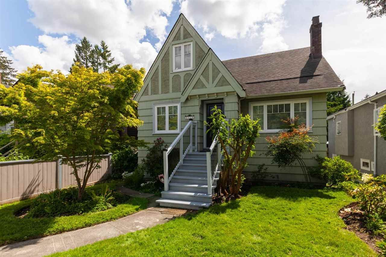 """Main Photo: 2706 W 41ST Avenue in Vancouver: Kerrisdale House for sale in """"Kerrisdale"""" (Vancouver West)  : MLS®# R2583541"""