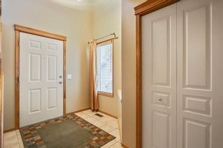 Photo 3: 38 SOMERSIDE Crescent SW in Calgary: Somerset House for sale : MLS®# C4142576