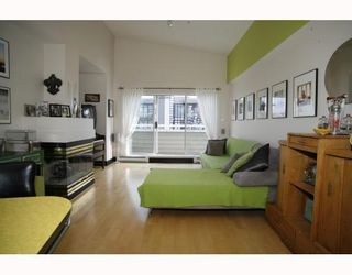 Photo 3: 405 2815 YEW Street in Vancouver: Kitsilano Condo for sale (Vancouver West)  : MLS®# V808543