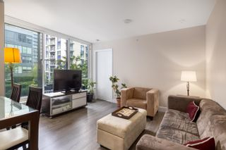 """Photo 2: 328 1783 MANITOBA Street in Vancouver: False Creek Condo for sale in """"Residences at West"""" (Vancouver West)  : MLS®# R2617799"""