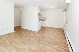 """Photo 10: 204 225 W 3RD Street in North Vancouver: Lower Lonsdale Condo for sale in """"Villa Valencia"""" : MLS®# R2459541"""