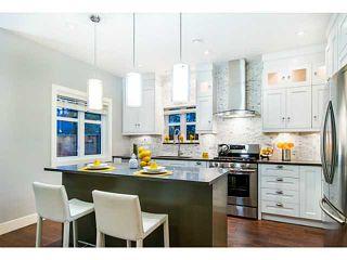 Photo 3: 1284 E 14TH Avenue in Vancouver: Mount Pleasant VE 1/2 Duplex for sale (Vancouver East)  : MLS®# V1035375