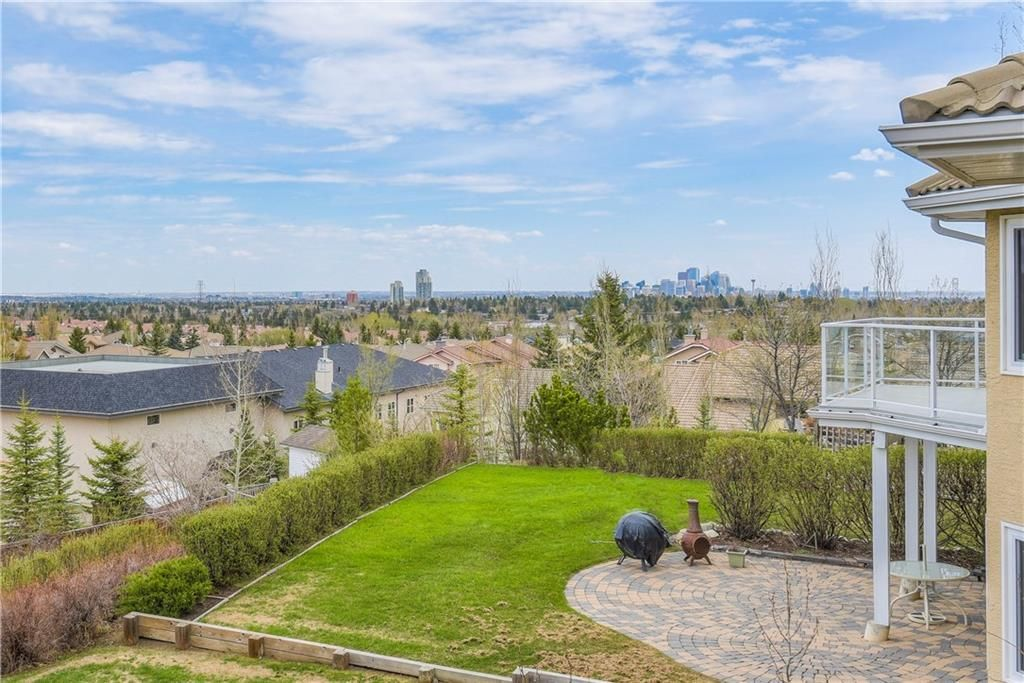 Photo 4: Photos: 2603 SIGNAL RIDGE View SW in Calgary: Signal Hill House for sale : MLS®# C4177922