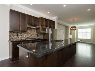 Photo 9: 66 3009 156 STREET in Surrey: Grandview Surrey Townhouse for sale (South Surrey White Rock)  : MLS®# R2056660
