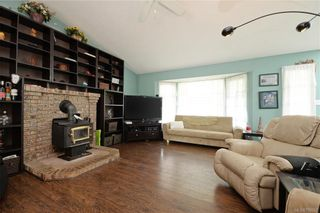 Photo 2: 6847 Burr Dr in Sooke: Sk Broomhill House for sale : MLS®# 759357