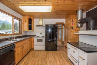 Photo 4: 4063 2ND Avenue in Smithers: Smithers - Town House for sale (Smithers And Area (Zone 54))  : MLS®# R2372613