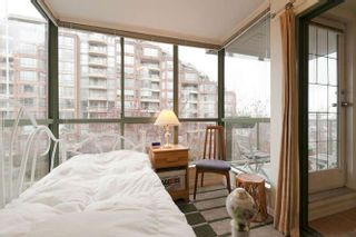 """Photo 8: 401 2288 PINE Street in Vancouver: Fairview VW Condo for sale in """"The Fairview"""" (Vancouver West)  : MLS®# R2251724"""
