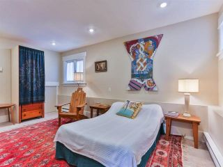 """Photo 14: 1976 NAPIER Street in Vancouver: Grandview VE House for sale in """"COMMERCIAL DRIVE"""" (Vancouver East)  : MLS®# R2082902"""