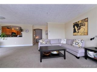 Photo 11: 24 127 Aldersmith Pl in VICTORIA: VR Glentana Row/Townhouse for sale (View Royal)  : MLS®# 738136