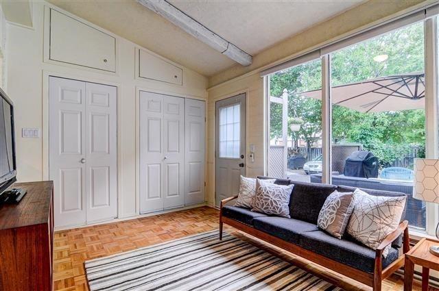 Photo 14: Photos: 256 Mortimer Avenue in Toronto: Danforth Village-East York House (2-Storey) for sale (Toronto E03)  : MLS®# E3626465