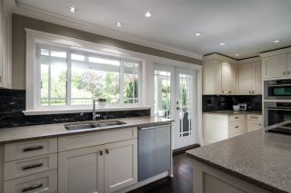 """Photo 15: 7983 227 Crescent in Langley: Fort Langley House for sale in """"Forest Knolls"""" : MLS®# R2475346"""