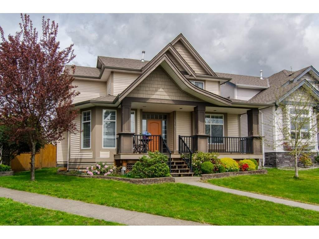 Main Photo: 16435 59A AVENUE in : Cloverdale BC House for sale : MLS®# R2158481