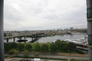 """Photo 4: 1003 1033 MARINASIDE Crescent in Vancouver: Yaletown Condo for sale in """"Quaywes"""" (Vancouver West)  : MLS®# R2007255"""