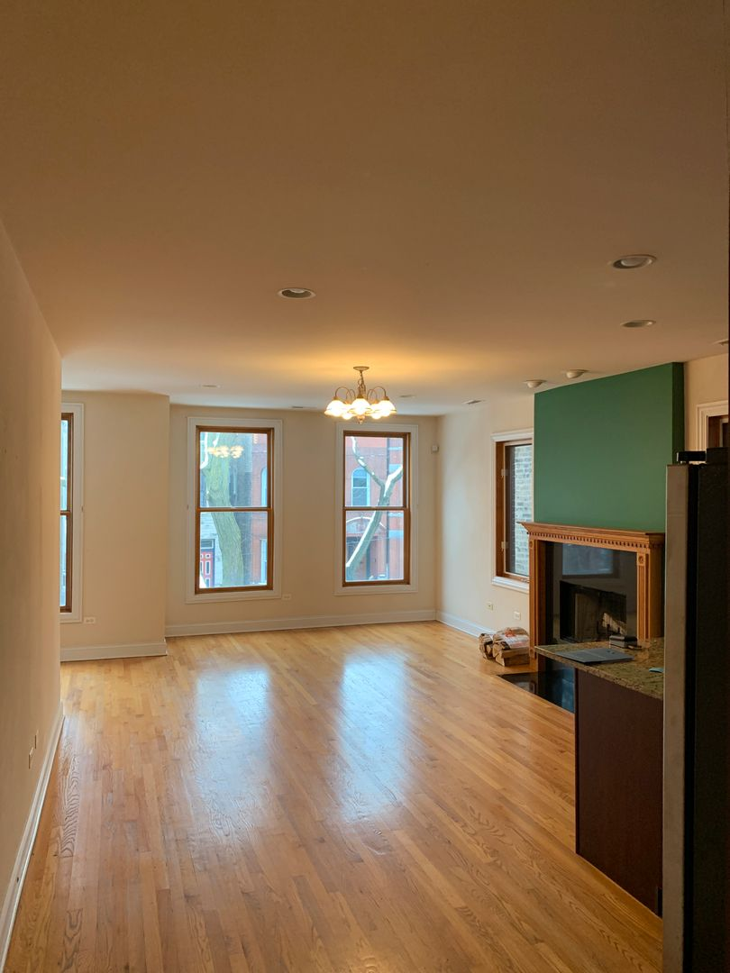 Photo 2: Photos: 2150 W Potomac Avenue Unit 2 in Chicago: CHI - West Town Residential Lease for lease ()  : MLS®# MRD10985870