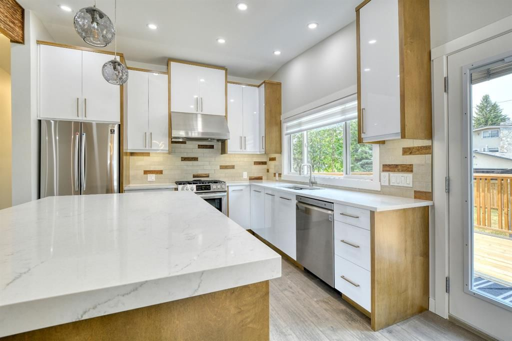 Photo 10: Photos: 12019 Canaveral Road SW in Calgary: Canyon Meadows Detached for sale : MLS®# A1126440