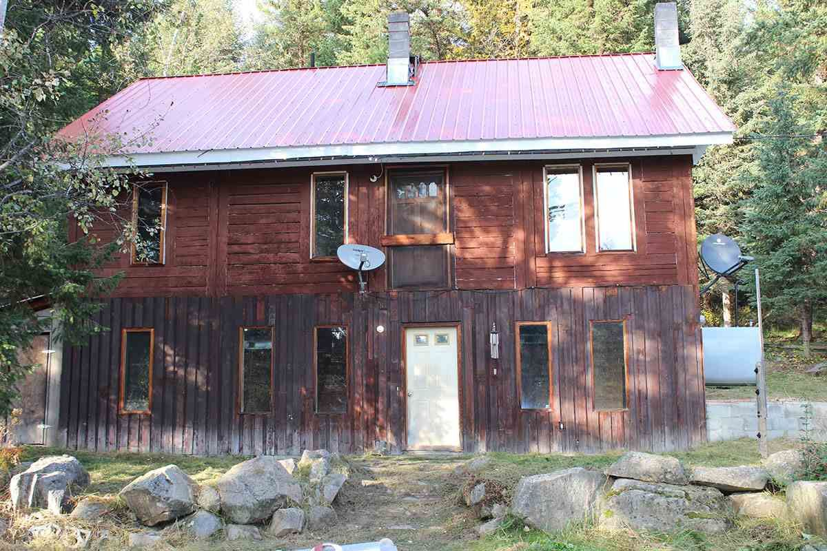 Main Photo: 3469 BRADLEY CREEK Road: Forest Grove House for sale (100 Mile House (Zone 10))  : MLS®# R2502222