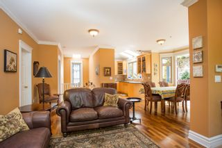 Photo 3: 718 W 14TH Avenue in Vancouver: Fairview VW Townhouse for sale (Vancouver West)  : MLS®# R2363725