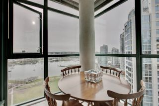 "Photo 12: 2302 289 DRAKE Street in Vancouver: Yaletown Condo for sale in ""Park View Tower"" (Vancouver West)  : MLS®# R2530410"