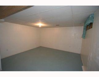 Photo 16: 7507 HUNTRIDGE Crescent NE in CALGARY: Huntington Hills Residential Detached Single Family for sale (Calgary)  : MLS®# C3398976
