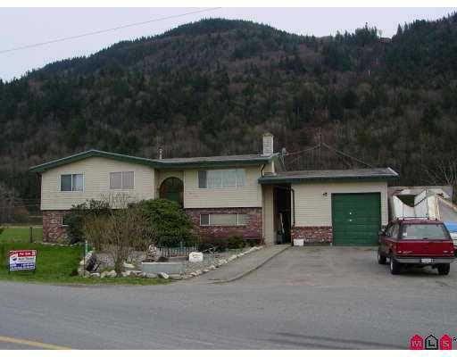 Main Photo: 40160 WELLS LINE Road in ABBOTSFORD: Sumas Prairie House for sale (Abbotsford)  : MLS®# F2705733