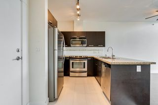 """Photo 7: 412 33539 HOLLAND Avenue in Abbotsford: Central Abbotsford Condo for sale in """"THE CROSSING"""" : MLS®# R2605185"""