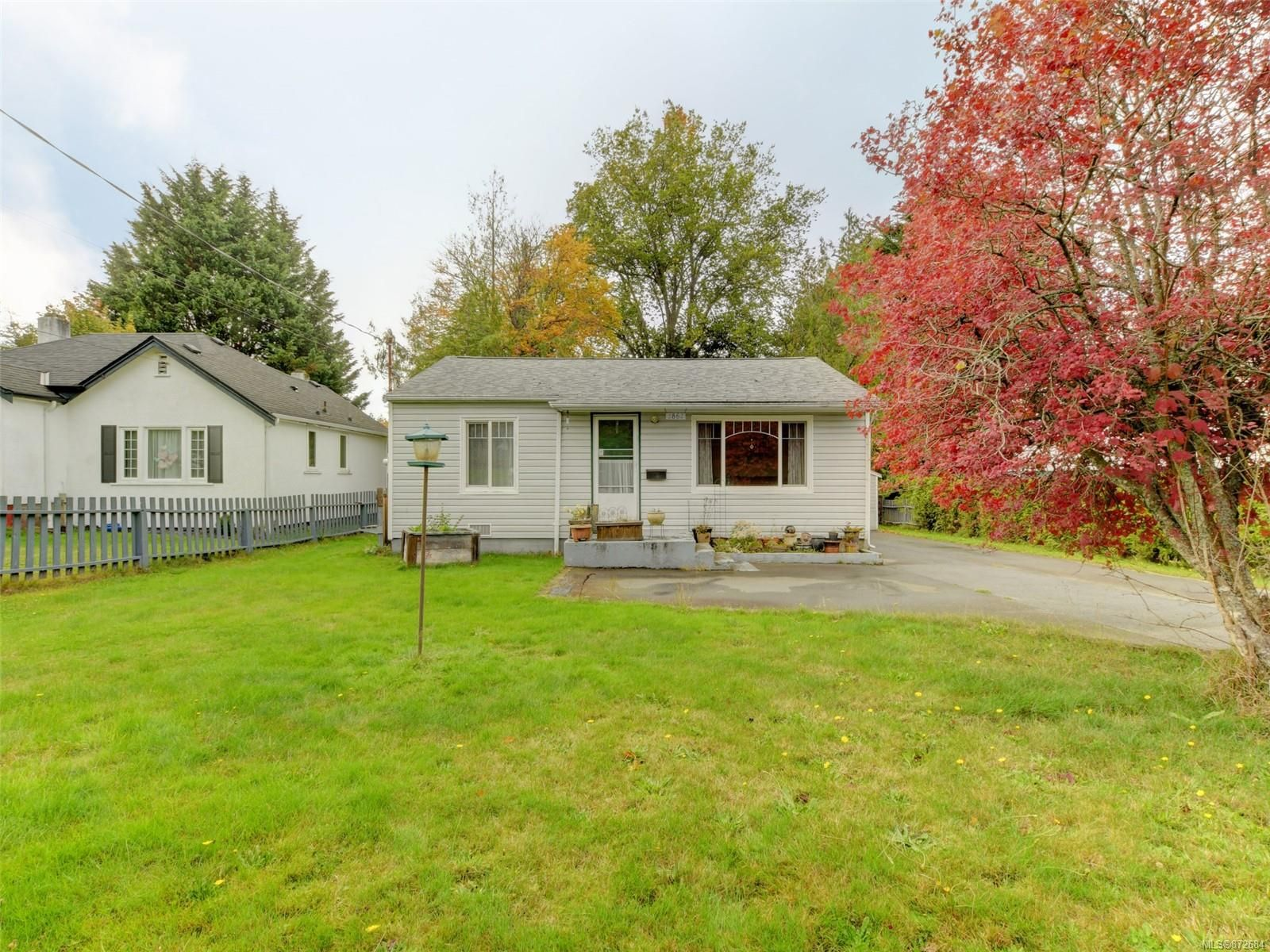 Main Photo: 2862 Inlet Ave in : SW Gorge House for sale (Saanich West)  : MLS®# 872684