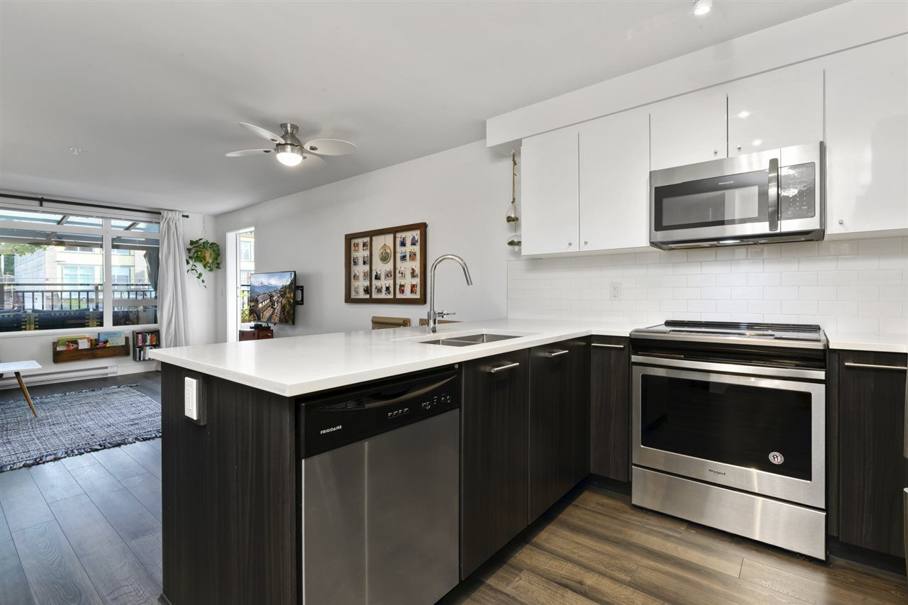 Photo 2: Photos: 221 2525 CLARKE STREET in Port Moody: Port Moody Centre Condo for sale : MLS®# R2470238