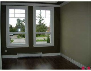 Photo 4: 6409 174A Street in Surrey: Cloverdale BC House for sale (Cloverdale)  : MLS®# F2724408