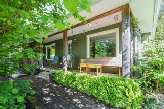 Photo 1: 2518 Dunsmuir Ave in : CV Cumberland House for sale (Comox Valley)  : MLS®# 877028