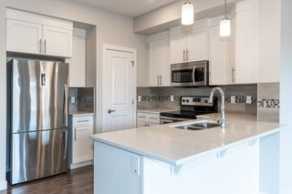 Photo 7: 1865 KEENE Crescent in Edmonton: Zone 56 Attached Home for sale : MLS®# E4259050