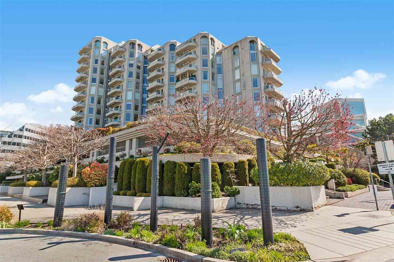 """Main Photo: 802 168 CHADWICK Court in North Vancouver: Lower Lonsdale Condo for sale in """"CHADWICK COURT"""" : MLS®# R2565125"""