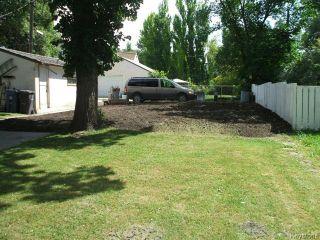 Photo 4: 376 Enfield Crescent in WINNIPEG: St Boniface Residential for sale (South East Winnipeg)  : MLS®# 1416900