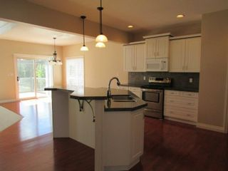 Photo 6: 1197 Hollands Way in Edmonton: House for rent