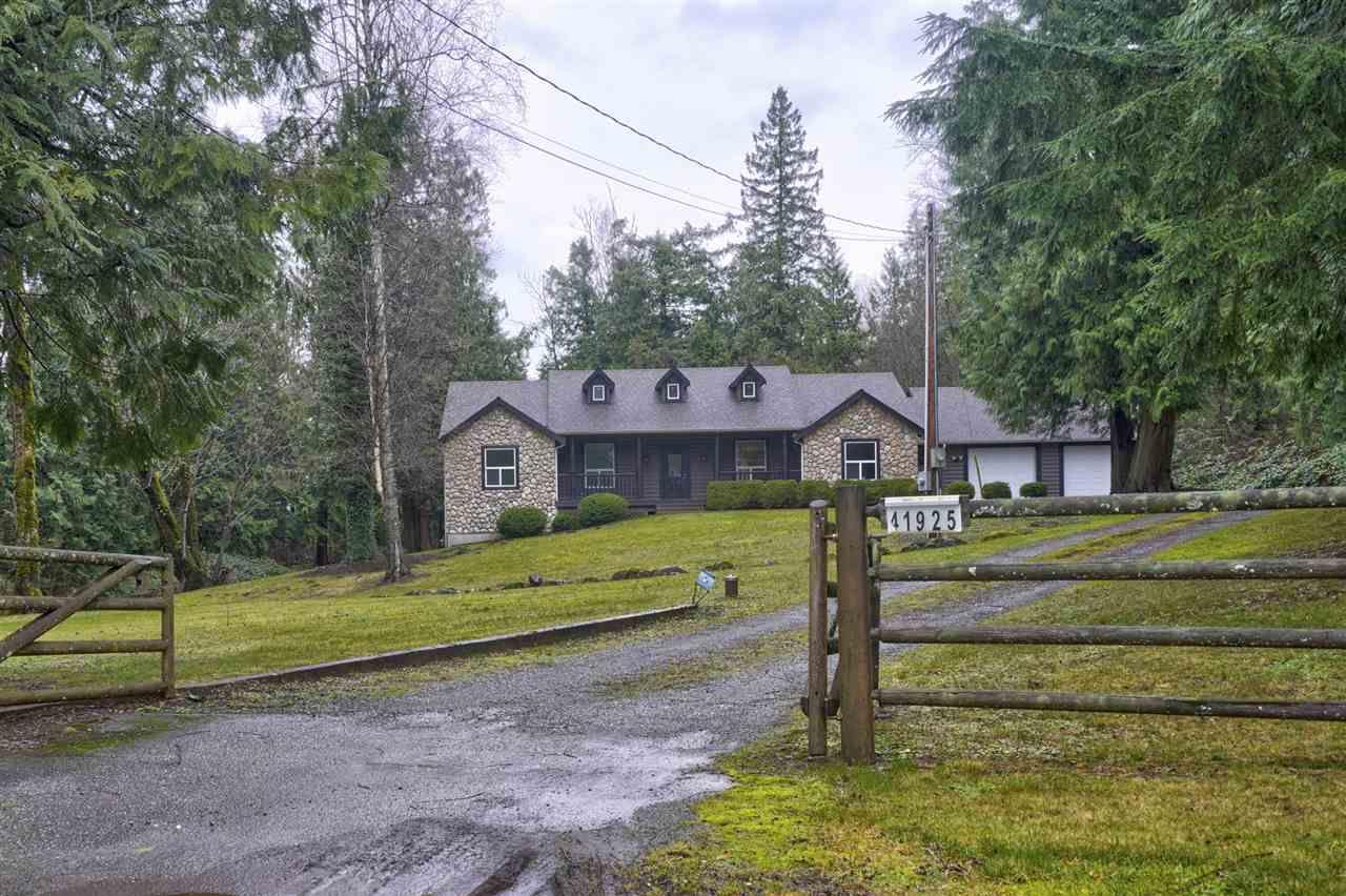 "Main Photo: 41925 MAPLE Lane in Yarrow: Majuba Hill House for sale in ""Maple Lane Estates"" : MLS®# R2425079"