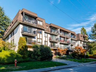 """Photo 2: 207 270 W 1ST Street in North Vancouver: Lower Lonsdale Condo for sale in """"Dorest Manor"""" : MLS®# R2625084"""