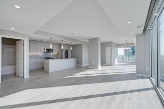 Photo 2: 3200 10180 103 Street in Edmonton: Zone 12 Condo for sale : MLS®# E4233945
