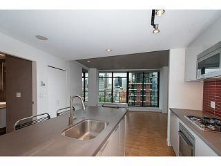"""Photo 1: 1906 108 W CORDOVA Street in Vancouver: Downtown VW Condo for sale in """"Woodwards W32"""" (Vancouver West)  : MLS®# V1121064"""