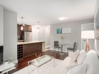 Photo 2: 2304 888 HOMER STREET in Vancouver: Downtown VW Condo for sale (Vancouver West)  : MLS®# R2330895