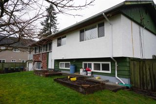 """Photo 3: 2431 GLENWOOD Avenue in Port Coquitlam: Woodland Acres PQ House for sale in """"Woodland Acre"""" : MLS®# R2586320"""