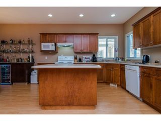 """Photo 4: 32963 BOOTHBY Avenue in Mission: Mission BC House for sale in """"CEDAR ESTATES"""" : MLS®# R2134633"""