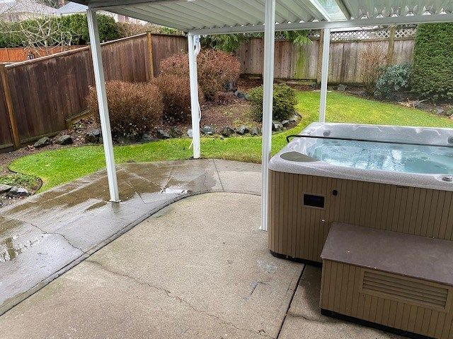 """Photo 14: Photos: 34914 OAKHILL Drive in Abbotsford: Abbotsford East House for sale in """"McMillan"""" : MLS®# R2523940"""