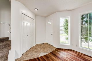 Photo 3: 18 Erin Meadow Close SE in Calgary: Erin Woods Detached for sale : MLS®# A1143099