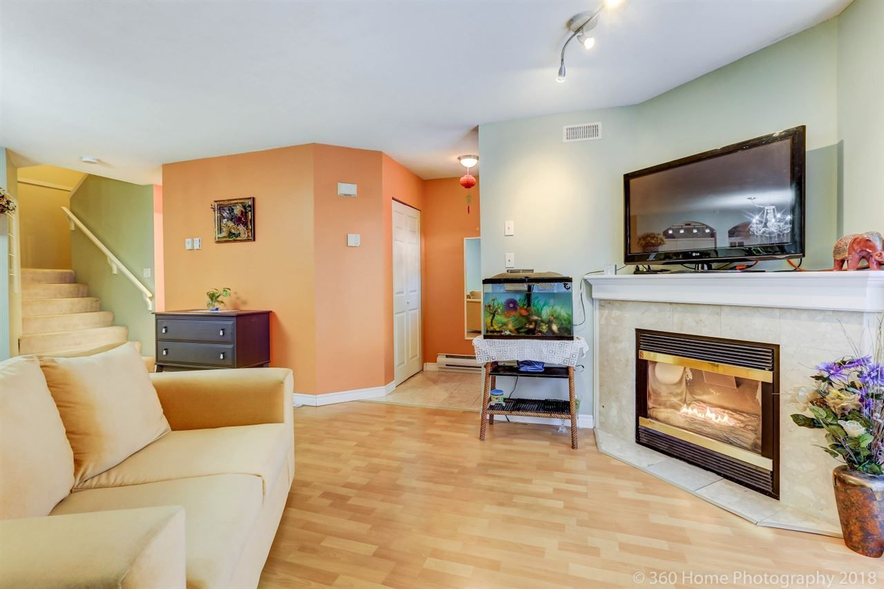 """Photo 3: Photos: 21 7488 SALISBURY Avenue in Burnaby: Highgate Townhouse for sale in """"WINSTON GARDEN"""" (Burnaby South)  : MLS®# R2260408"""