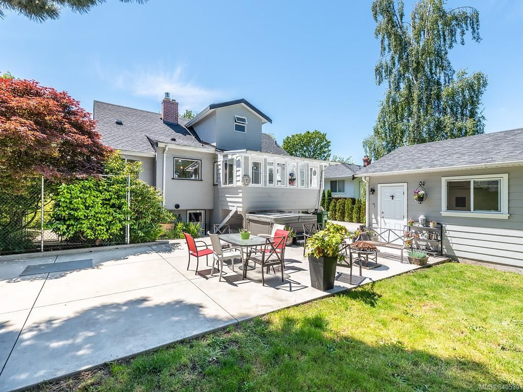 Photo 30: Photos: 2232 Cranmore Rd in Oak Bay: OB North Oak Bay House for sale : MLS®# 840539