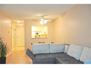Photo 3: 302 3070 Guildford Way in Coquitlam: North Coquitlam Condo for sale : MLS®# V1126460