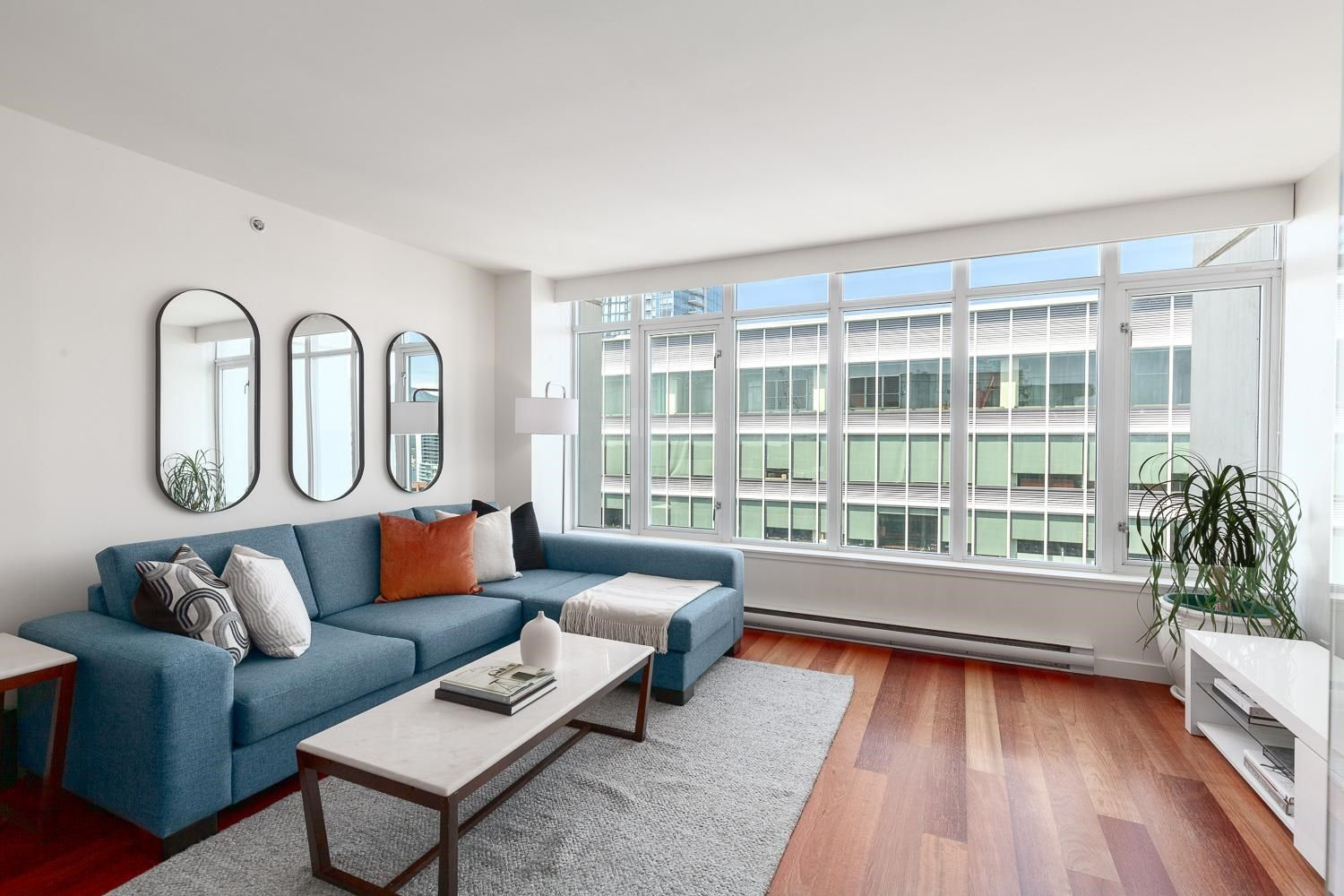 Main Photo: PH3202 610 GRANVILLE STREET in Vancouver: Downtown VW Condo for sale (Vancouver West)  : MLS®# R2604994