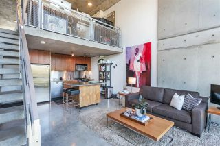 """Photo 5: 512 1540 W 2ND Avenue in Vancouver: False Creek Condo for sale in """"WATERFALL BUILDING BY ARTHER ERI"""" (Vancouver West)  : MLS®# R2186544"""