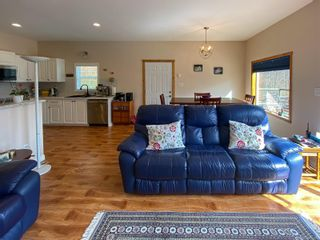 Photo 9: 338 Harbour Rd in : NI Port Hardy House for sale (North Island)  : MLS®# 871375