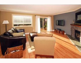 """Photo 1: 21 41450 GOVERNMENT Road: Brackendale Townhouse for sale in """"EAGLEVIEW"""" (Squamish)  : MLS®# V752564"""