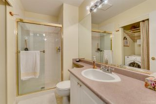 """Photo 23: 2 5201 OAKMOUNT Crescent in Burnaby: Oaklands Townhouse for sale in """"HARLANDS"""" (Burnaby South)  : MLS®# R2161248"""